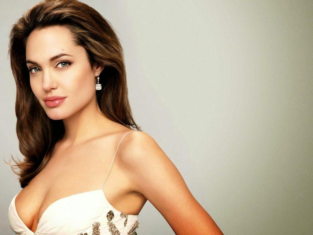 Angelina Jolie hd photo 1024x768
