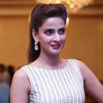 Saba Qamar Height, Age, Bio, Boyfriend, Net worth, Facts