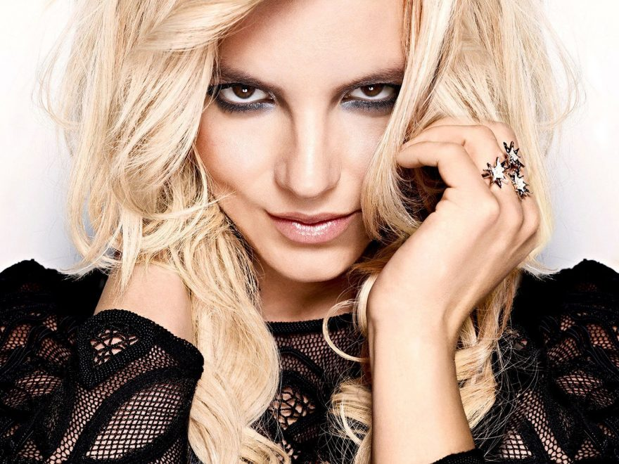 Britney Spears Wallpaper HD Free Download 880x660