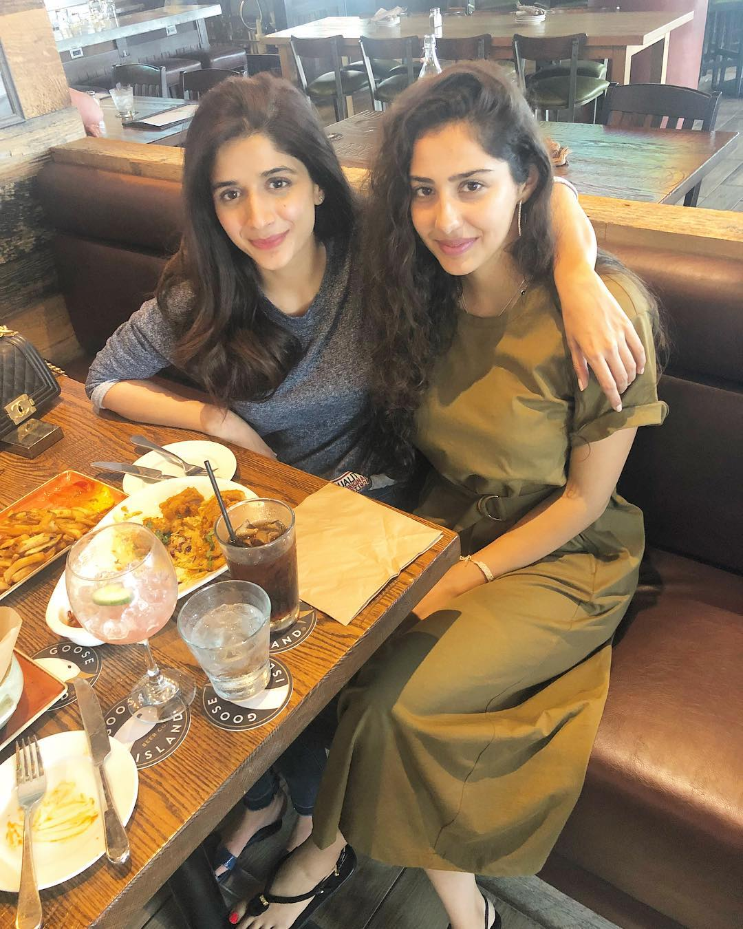 Mawra Hocane with her friend