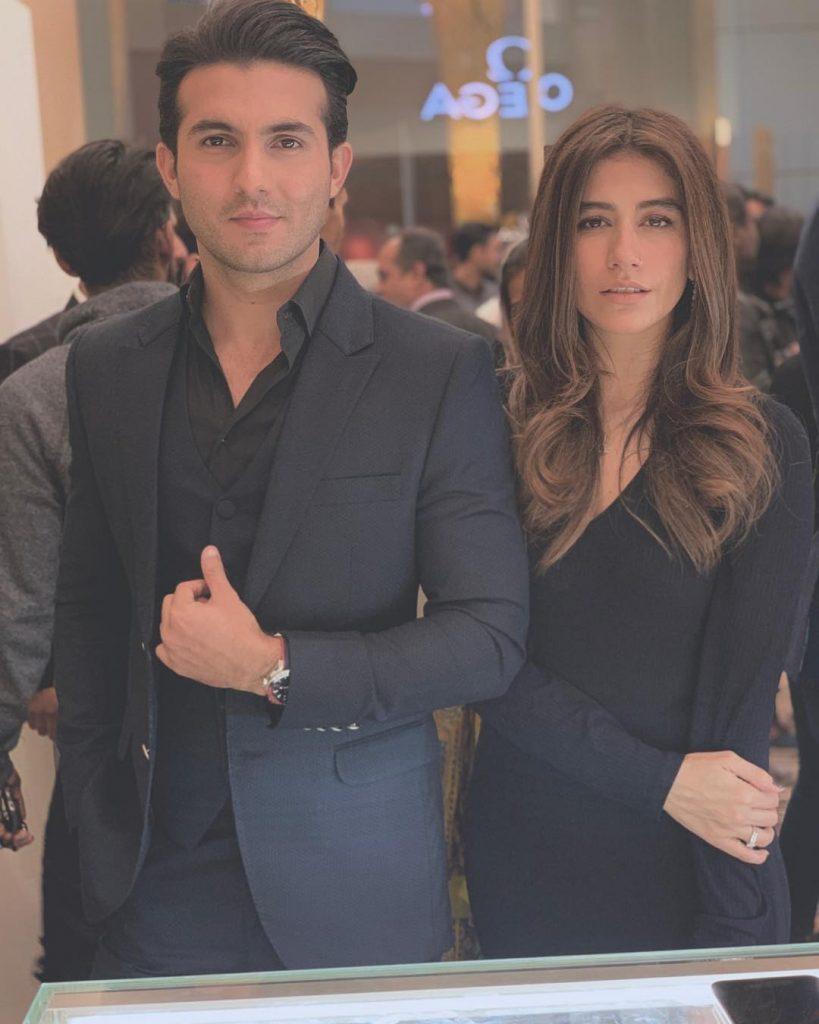 Syra Shehroz sairoz with husband both in black 819x1024
