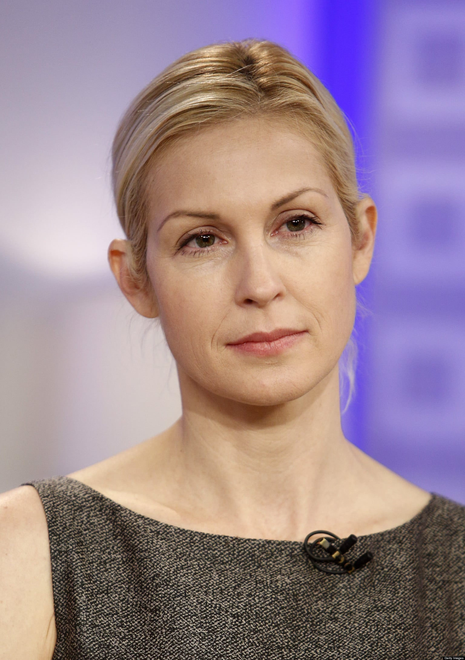 o KELLY RUTHERFORD facebook