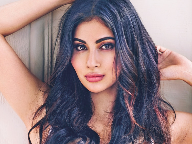 Mouni Roy Height, Age, Bio, Net worth, Family, Facts - Super