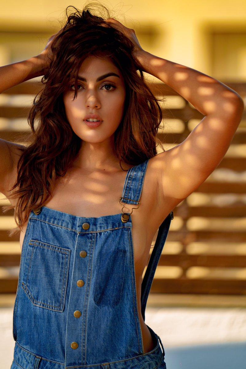 Rhea Chakraborty Hot