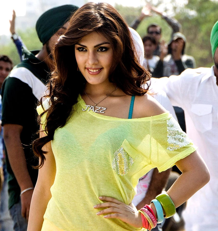 Rhea Chakraborty Indian Actress, Model, Video Jockey, Businessman
