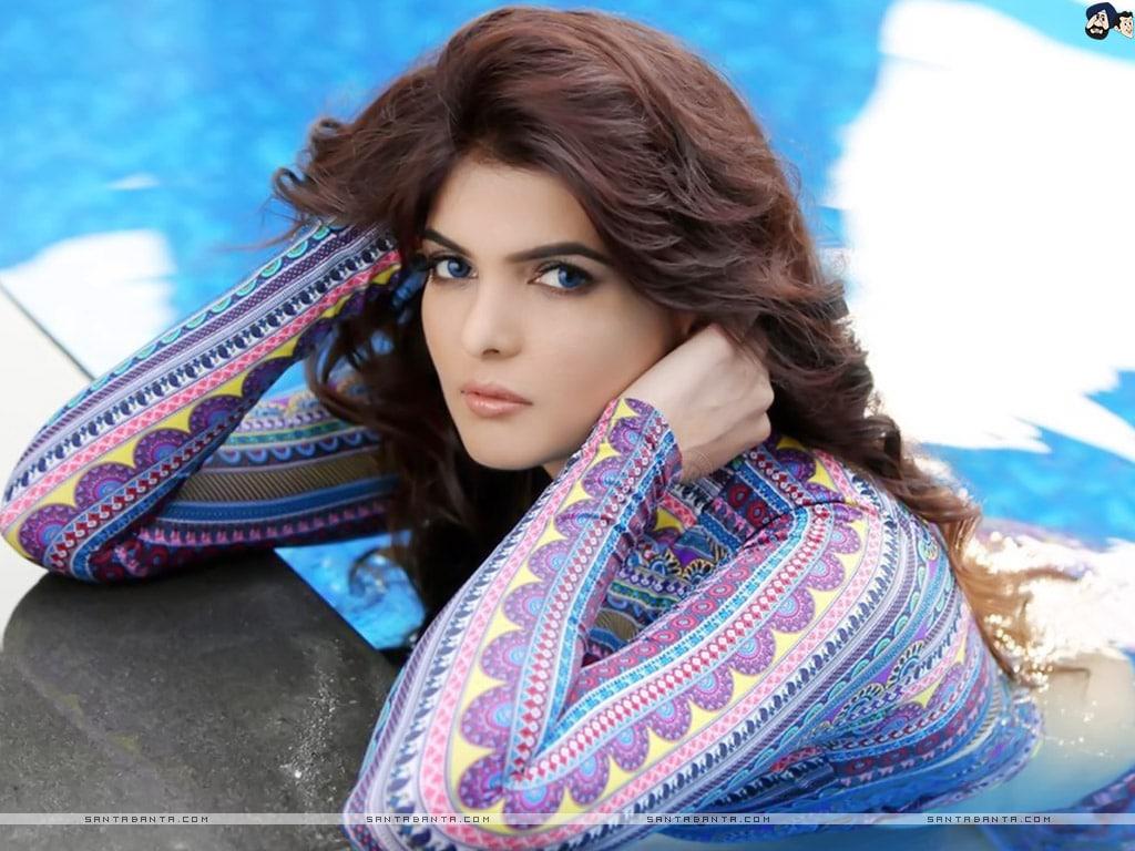 Ihana Dhillon Indian Model, Actress
