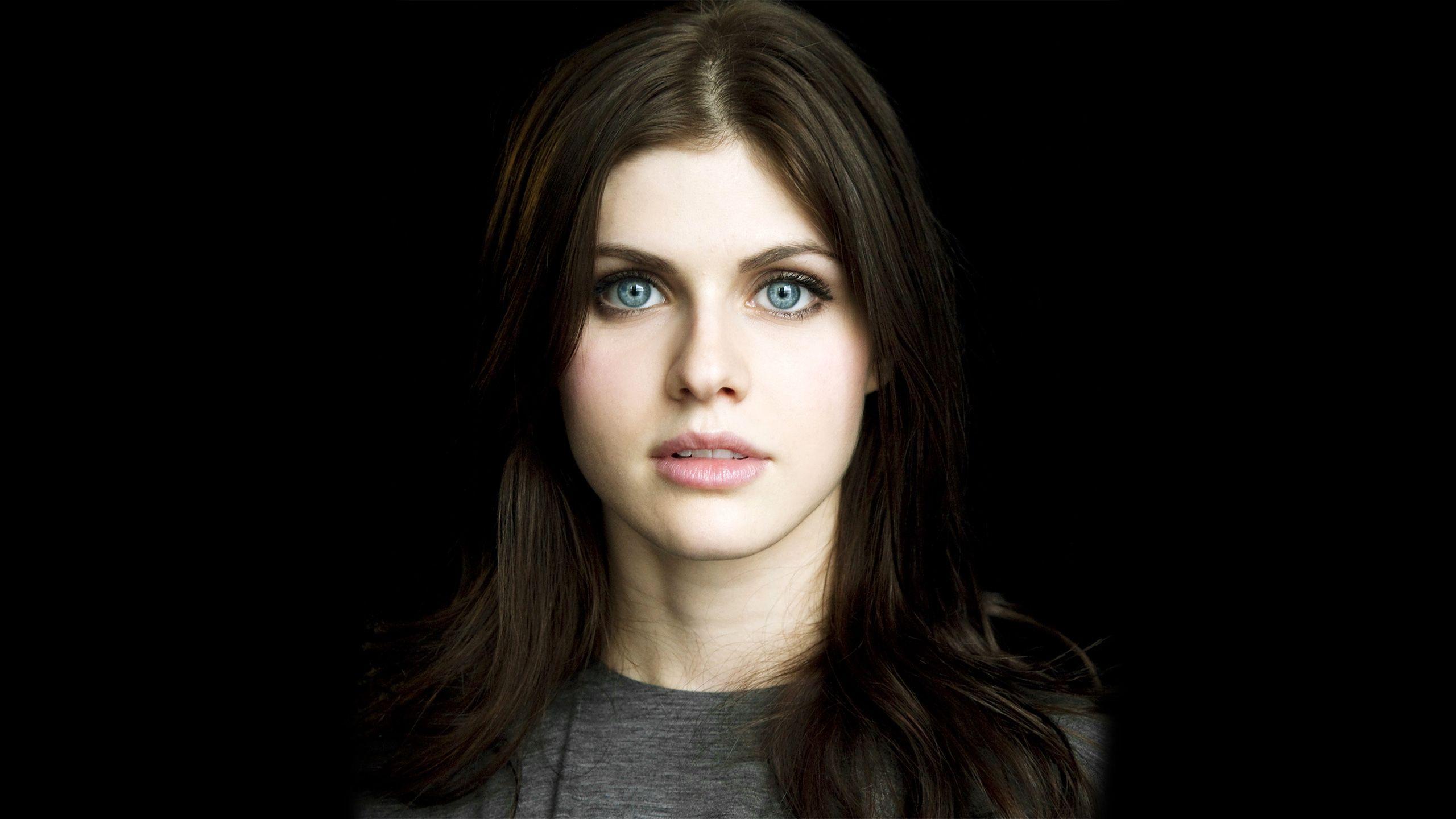 Alexandra Daddario color