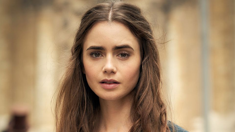 Lily Collins height, weight, and body measurement - Super ...