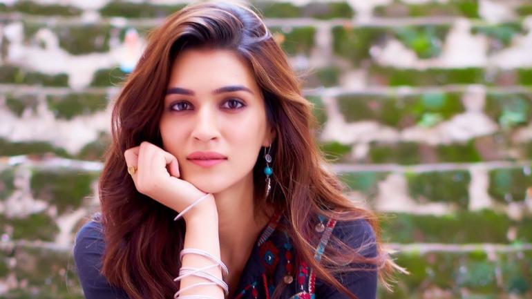 Kriti Sanon  Indian Actress