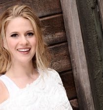 Caroline Sunshine Actress