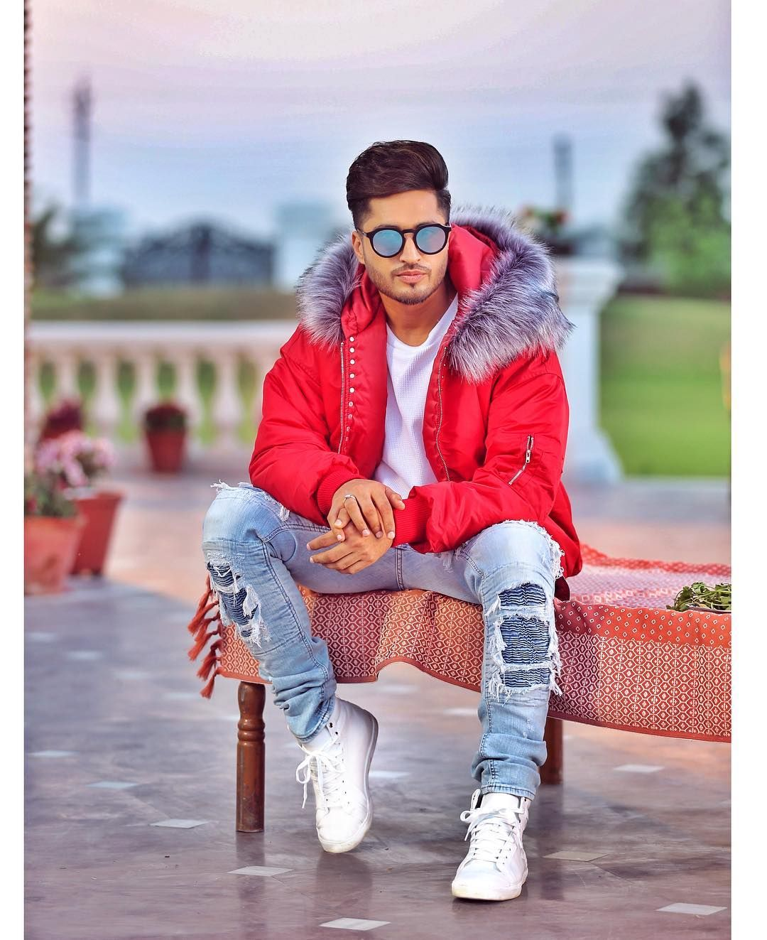 Jassi Gill Age, Girlfriend, Wife, Family, Biography & More