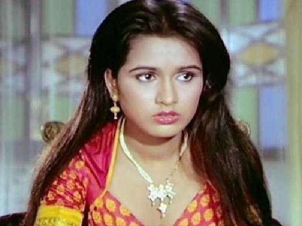 Padmini Kolhapure - Biography, Height & Life Story   Super Stars Bio