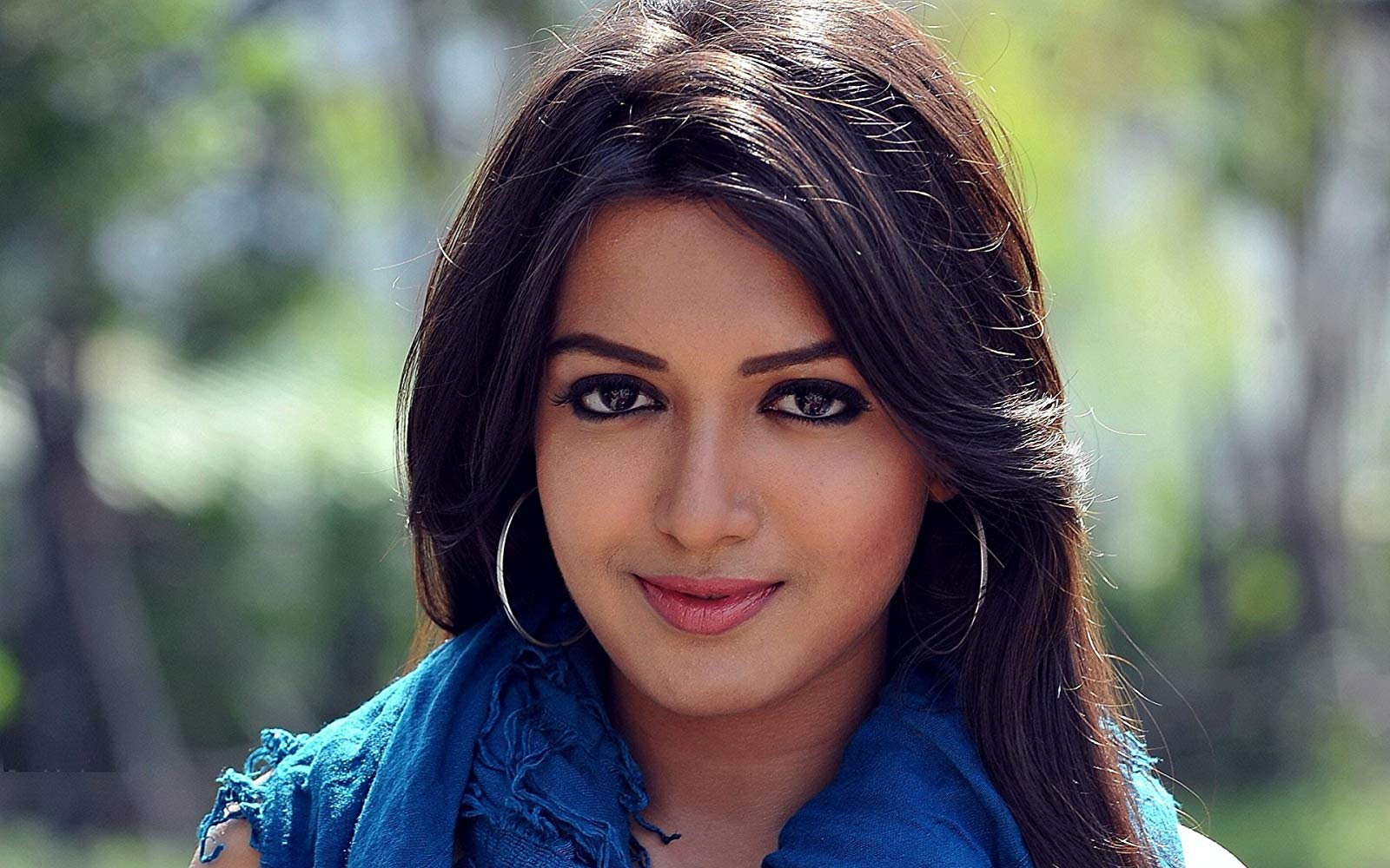 Catherine Tresa Emirati (presently resides in India) Actress