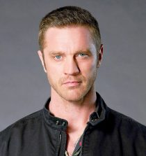 Devon Sawa Actor