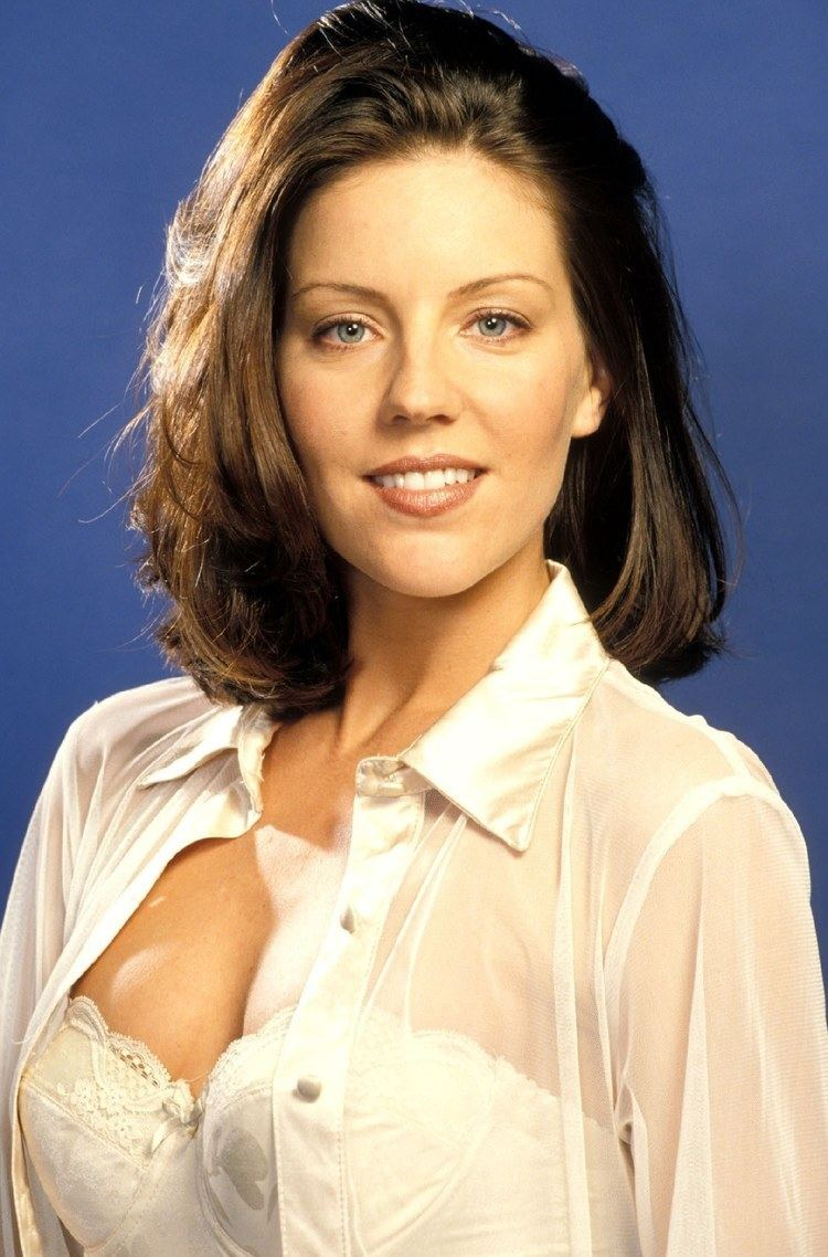Andrea Parker height