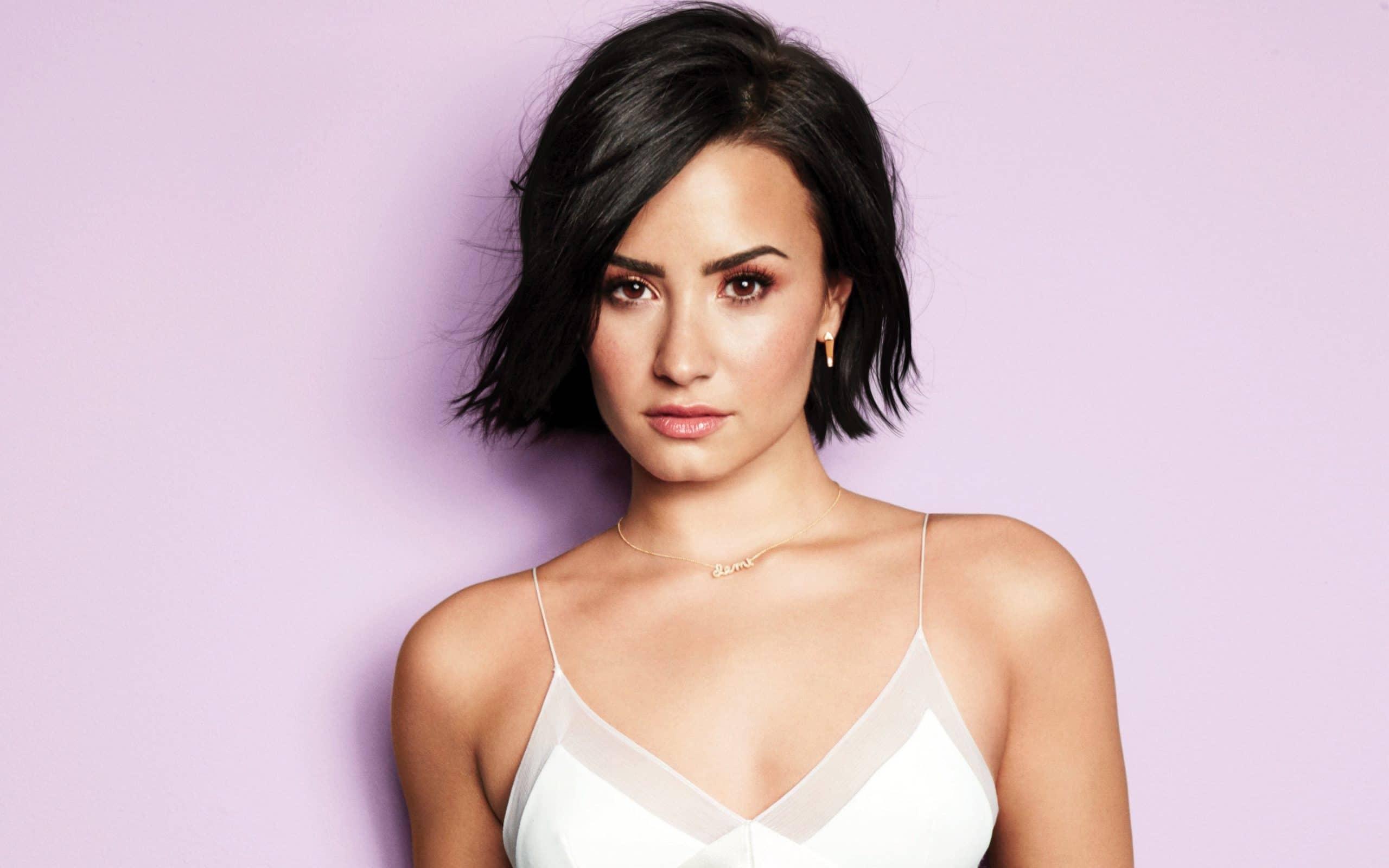 Demi Lovato doll