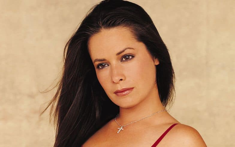 Holly Marie Combs bio