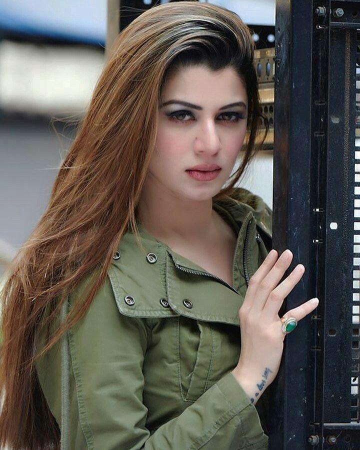 Kainaat Arora Indian Model, Actress