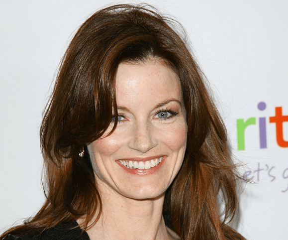 Laura Leighton American Actress