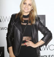 Mena Suvari Actress, Fashion Designer, Model