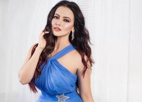 Sana Khan Wiki, Age, Height, Figure, Boyfriend, Biography