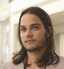 Daniel Zovatto Actor