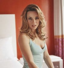 Linda Cardellini Actress