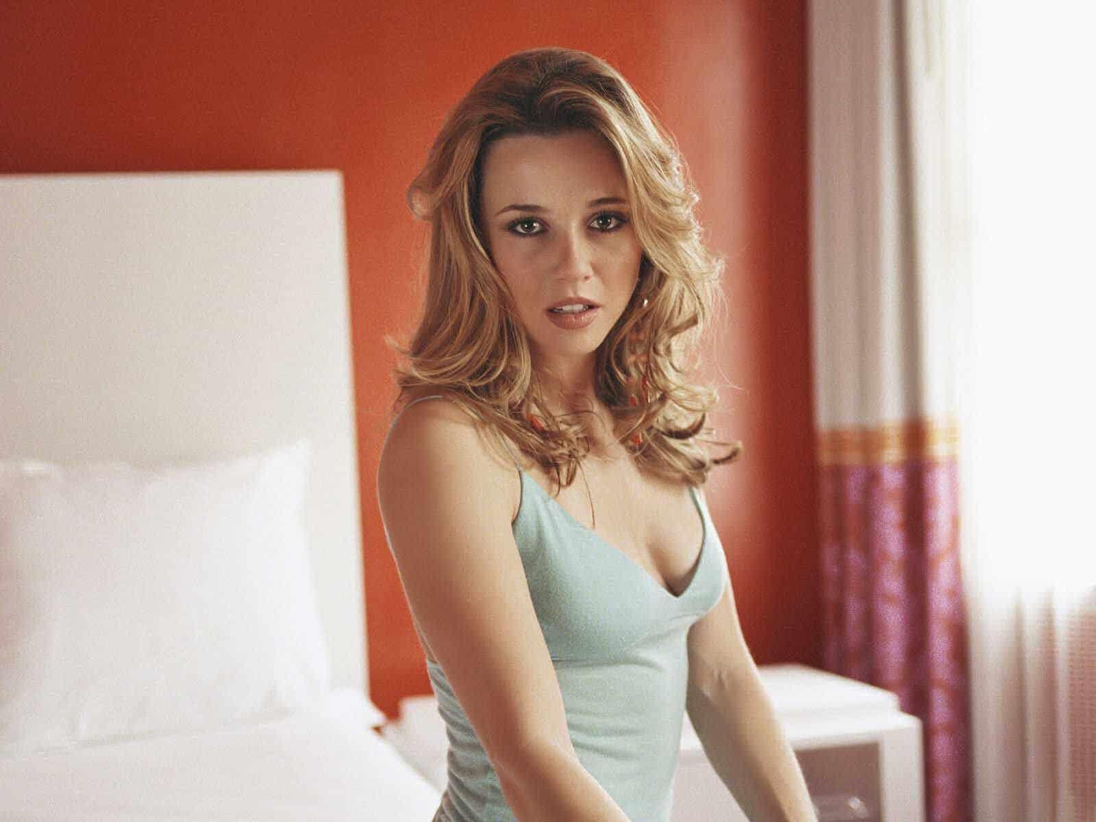 Linda Cardellini American Actress