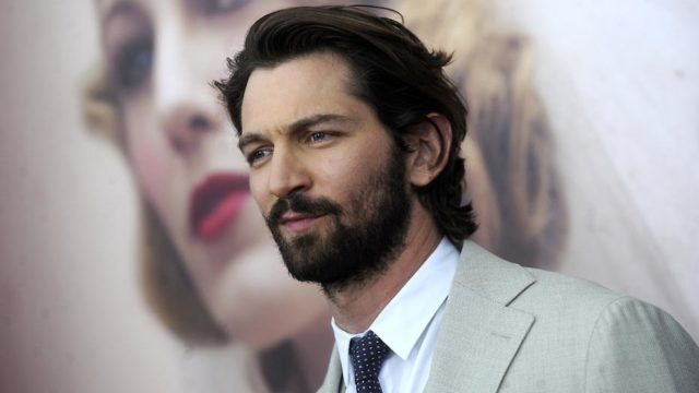 Michiel Huisman Dutch Actor, Musician, Singer and Songwriter