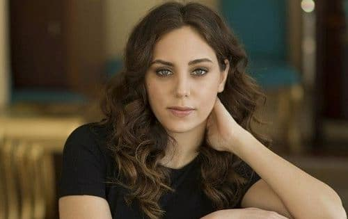 Oyku Karayel Turkish Actress