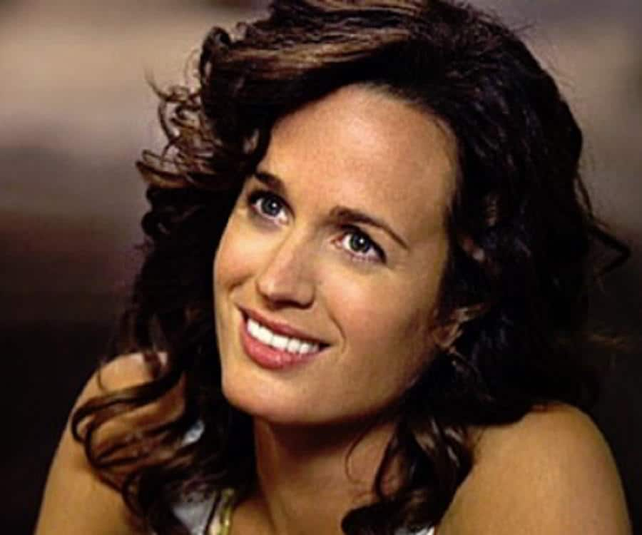 Elizabeth Reaser American Actress