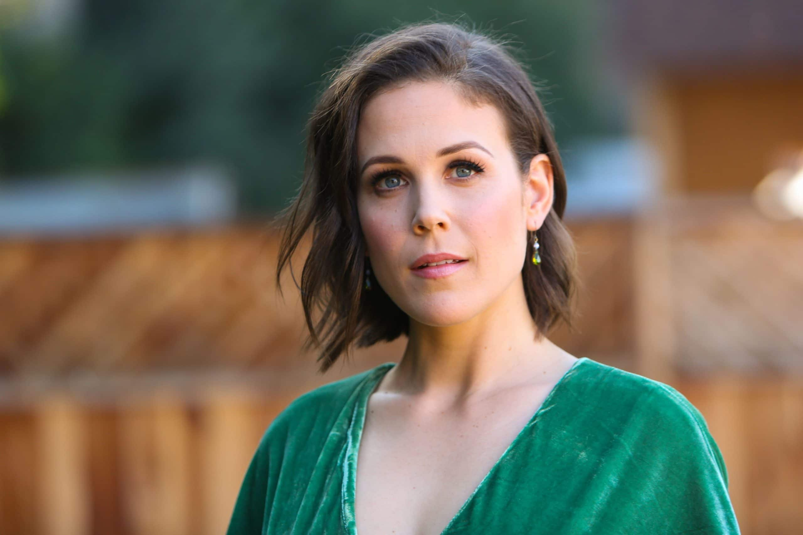 Erin Krakow American Actress and Producer