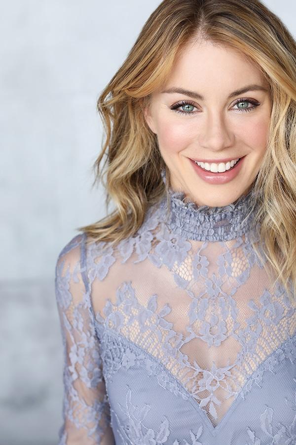 Jennifer Holland Canadian Actress