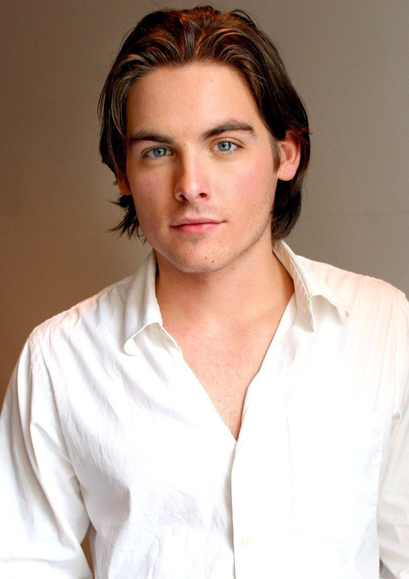 Kevin Zegers age