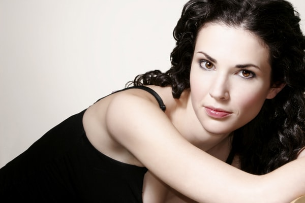 Laura Mennell Canadian Actress