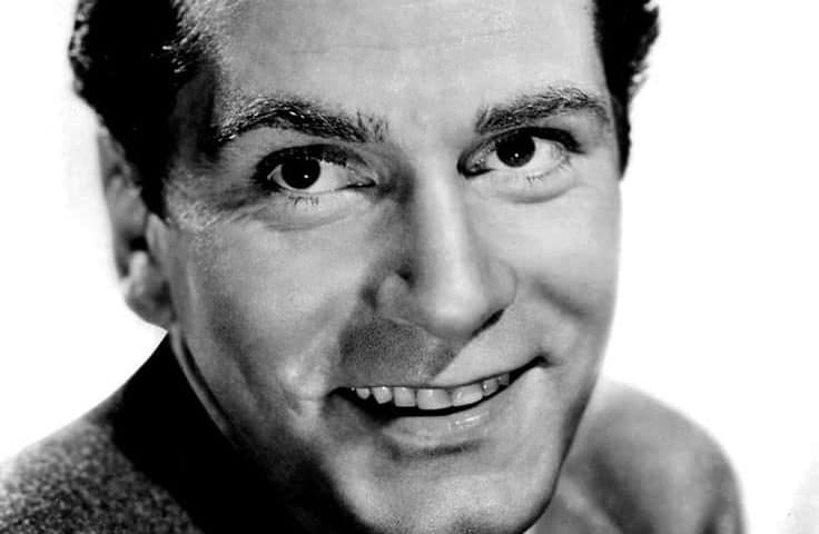 Laurence Olivier 736x480