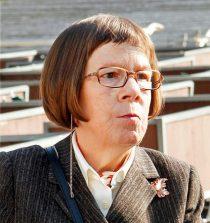 Linda Hunt Actress