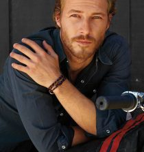 Luke Bracey Actor
