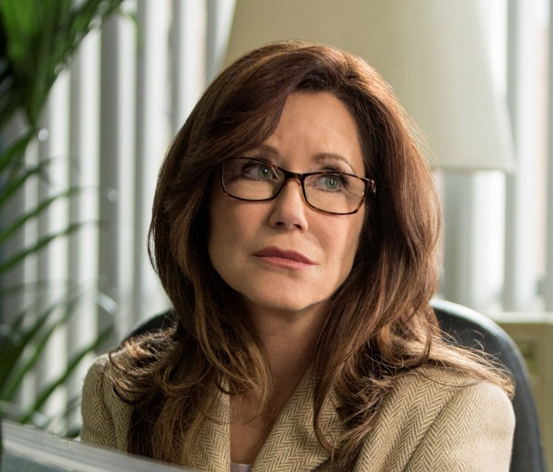 Mary McDonnell spouse