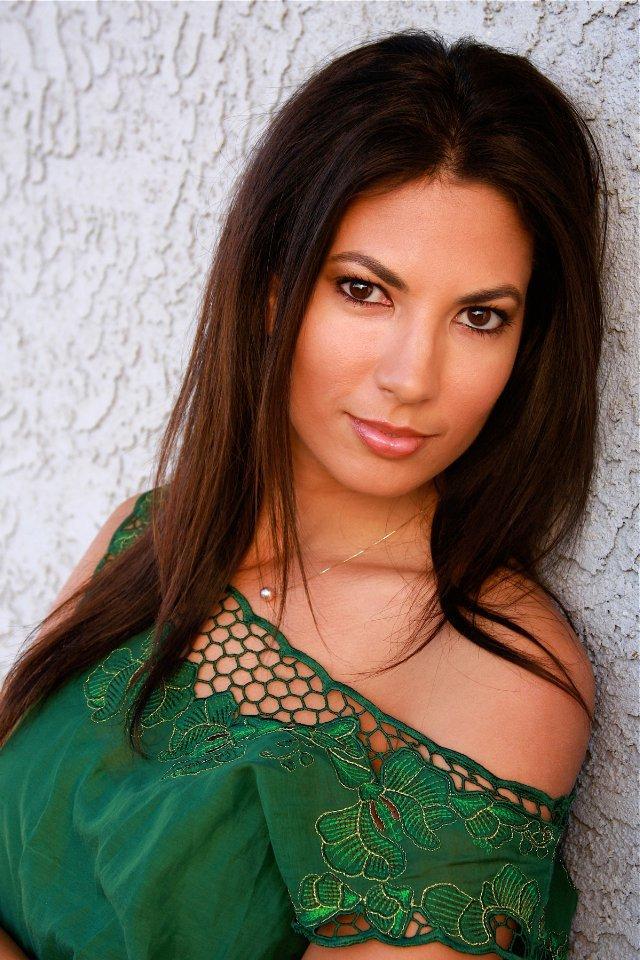 Naureen Zaim American Actress, Model, TV Personality, Boxer