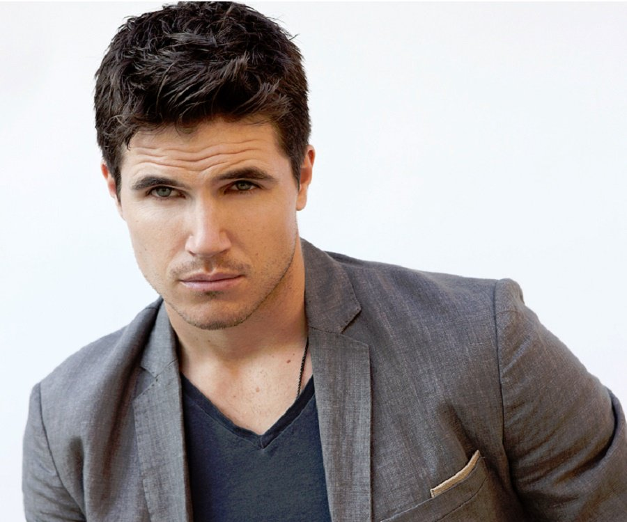 Robbie Amell Canadian Actor and Producer