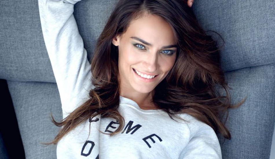 Saadet Aksoy Turkish Actress