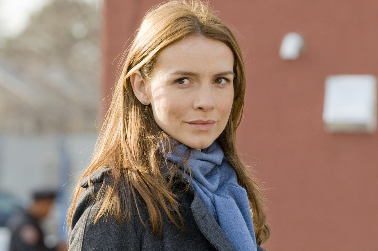Saffron Burrows British-American Actor, Model