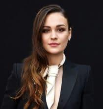 Sophie Skelton Actress