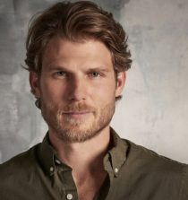 Travis Van Winkle Actor