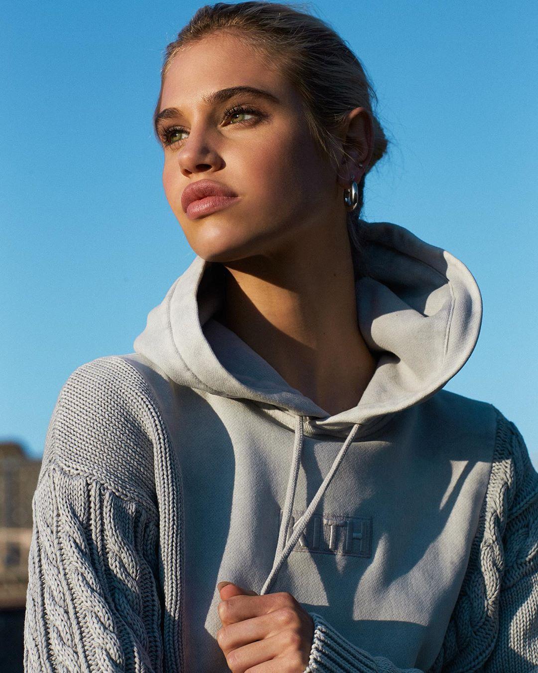 Meredith Mickelson American Model