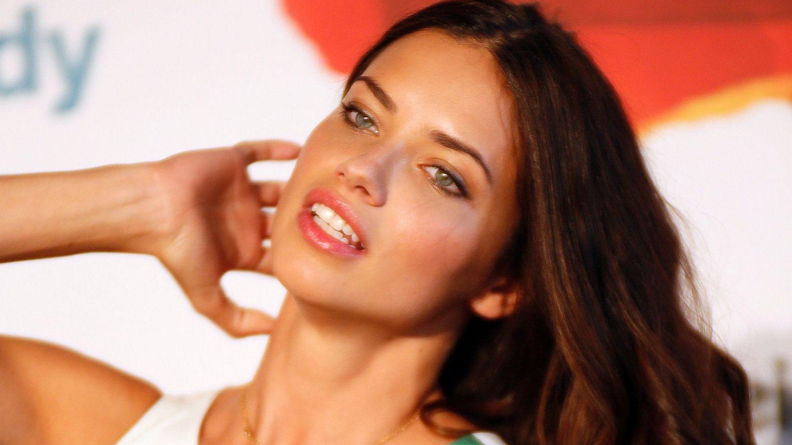 Adriana Lima Brazilian Actress, Model