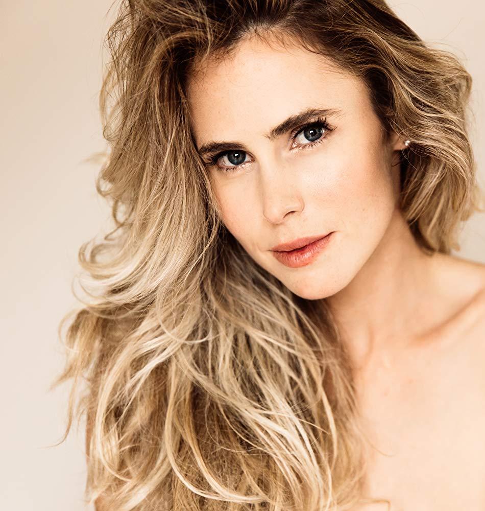 Anna Hutchison New Zealander  Actress