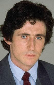 Gabriel Byrne net