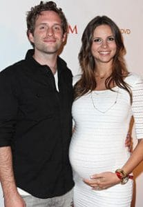 Glenn Howerton wife 207x300